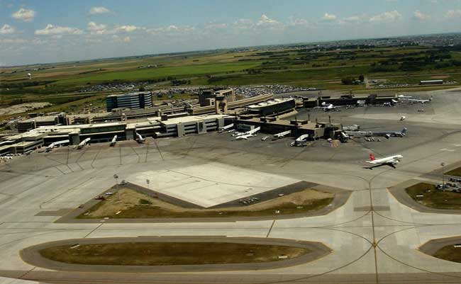 فرودگاه بین المللی کلگری